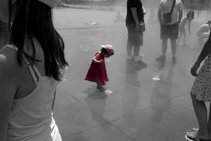 Petite fille rose